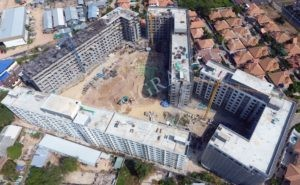 Pattaya foreigners claim damage caused by next door condo construction | News by The Thaiger
