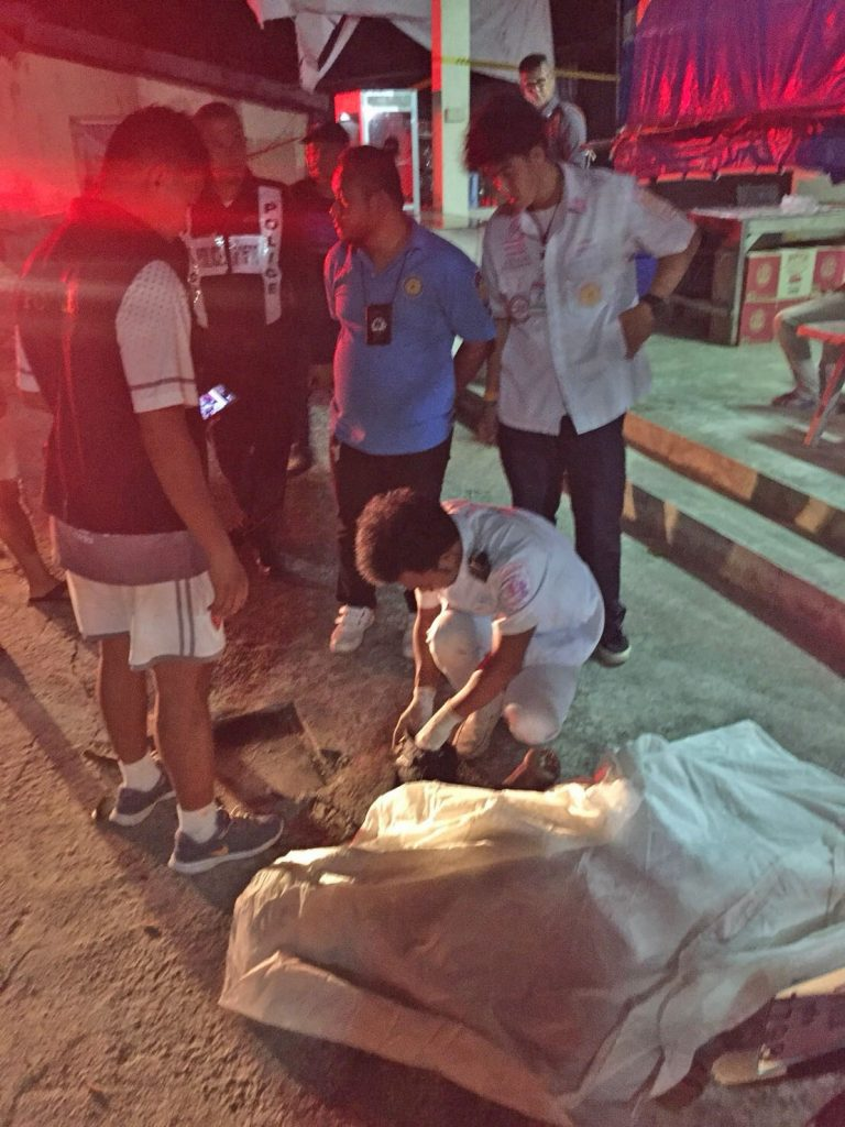 หนุ่มแทงเพื่อนตายหลังจากก่อเหตุขอเข้ามอบตัว | News by The Thaiger