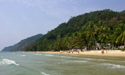 Koh Chang: Chinese swimmers rescued off Sai Khao beach | The Thaiger