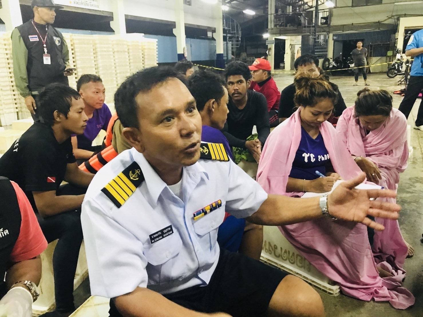 4-5 metres waves hit my boat, says Captain | The Thaiger