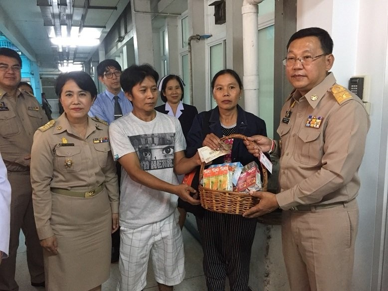 Chiang Mai: Governor visits 74 year old rape victim | The Thaiger