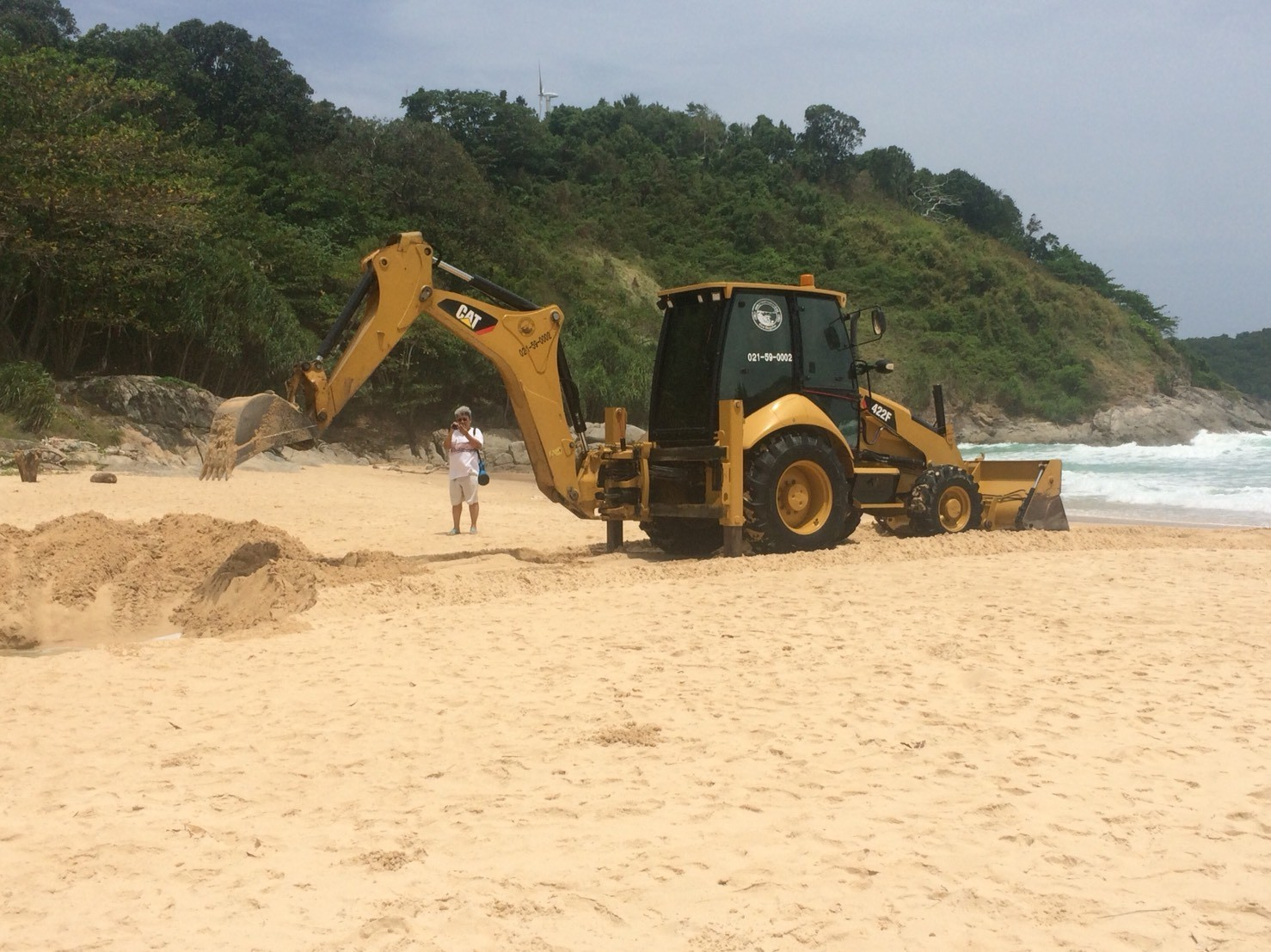 Channel dredged between Nai Harn beach and lake to help with croc catching | The Thaiger
