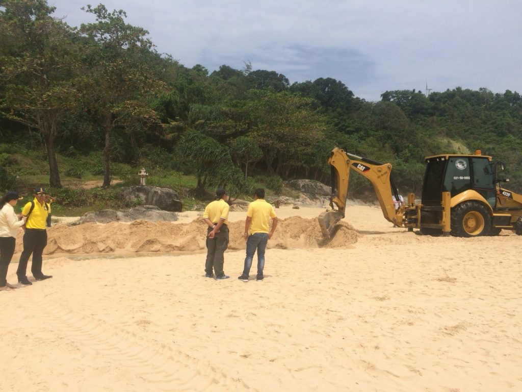 Channel dredged between Nai Harn beach and lake to help with croc catching | News by The Thaiger