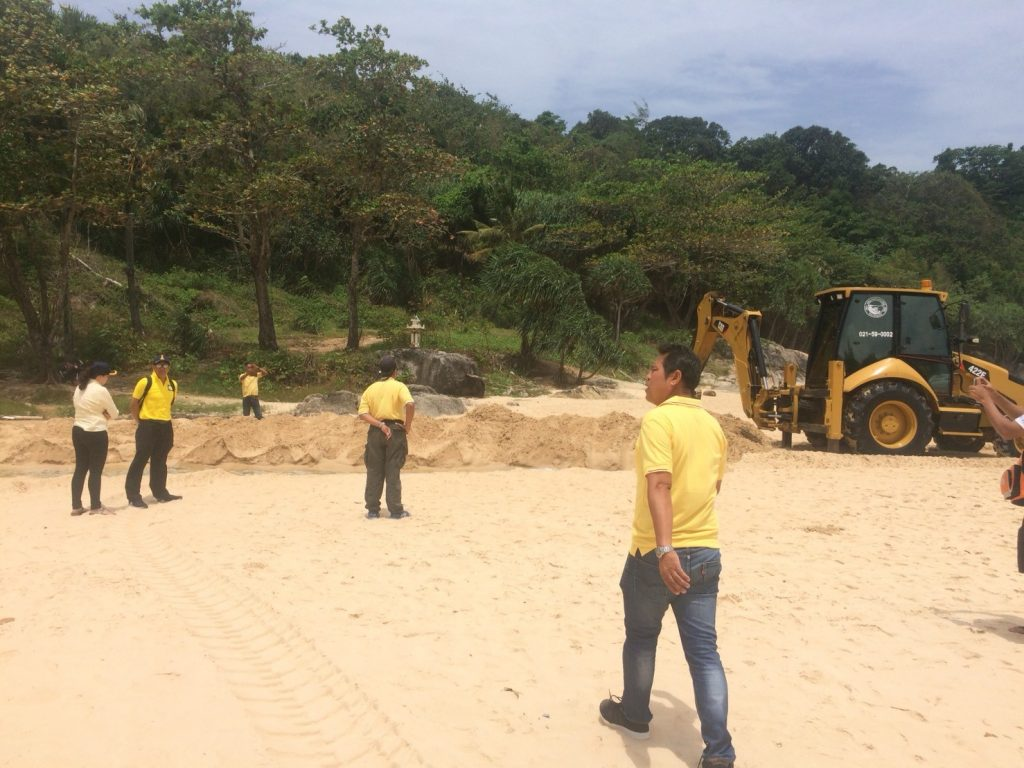 Channel dredged between Nai Harn beach and lake to help with croc catching | News by Thaiger