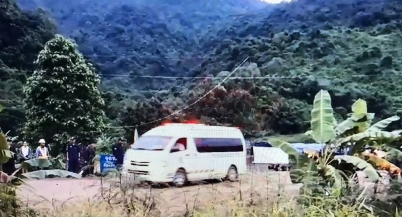 First two players now safe at Chiang Rai hospital. Two more emerge from cave. | The Thaiger