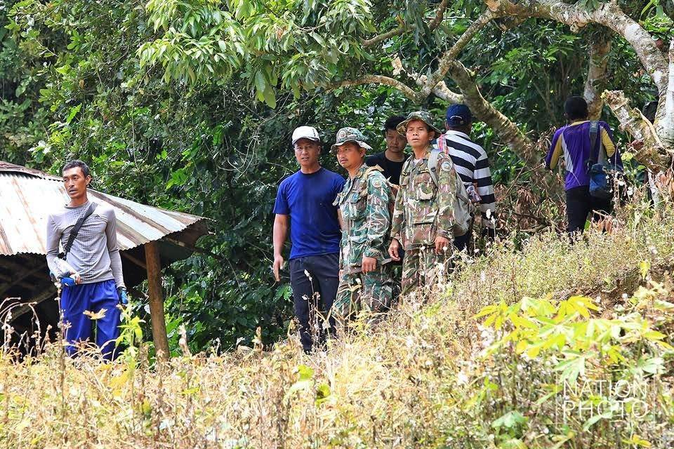 220 rescuers looking for crevices and tunnels into the cave | News by The Thaiger
