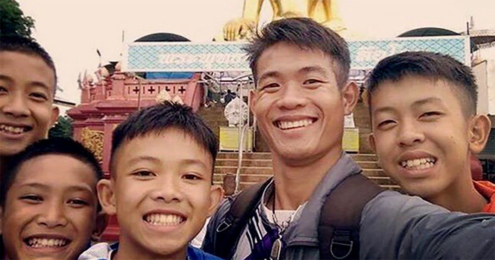 Ekkapol Chanthawong - Parents are refusing to blame him | News by The Thaiger