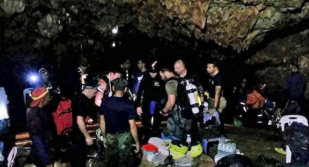 Chiang Rai: Alternatives being checked out for the evacuation of the 13 member team | The Thaiger