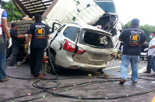 Hua Hin: Seven dead after morning collision   The Thaiger