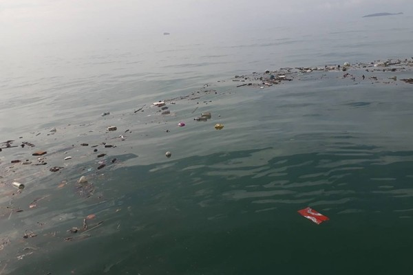 Local fishermen call for action to fix garbage dumping in Rassada | News by The Thaiger