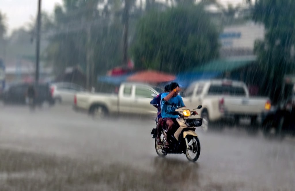 Wet, wet, wet – warnings out for 36 provinces | The Thaiger