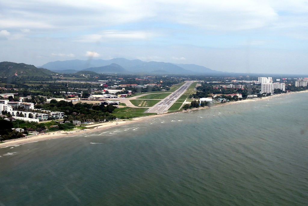 Hua Hin gets funding to expand airport | The Thaiger