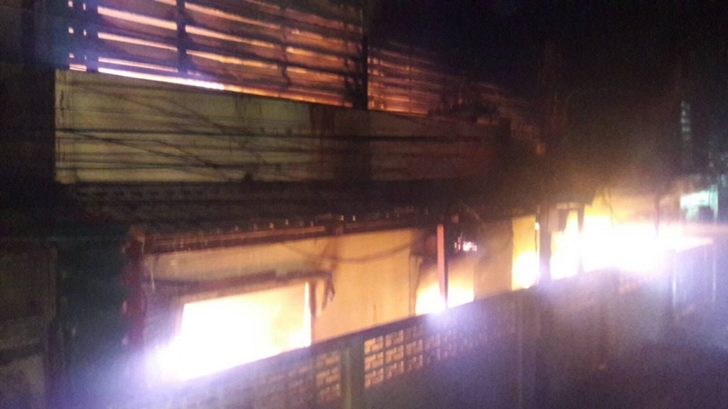 Fire destroys bedding warehouse in Rassada   News by The Thaiger