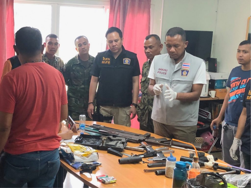 Phuket garage owner arrested with drugs and firearms | News by The Thaiger