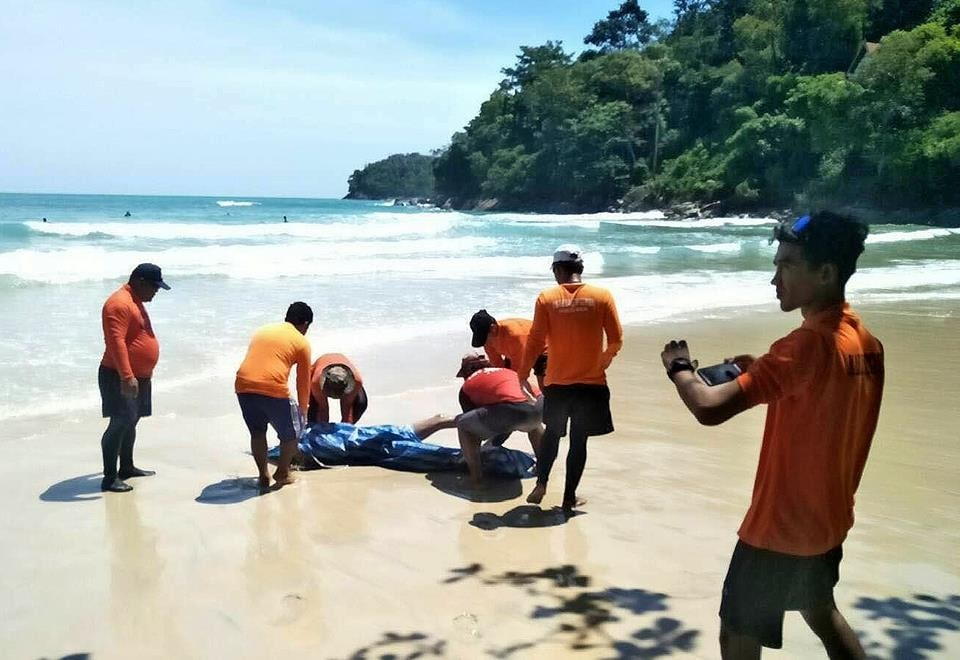 Body found floating off Kata Beach identified as Surat Thani man | The Thaiger
