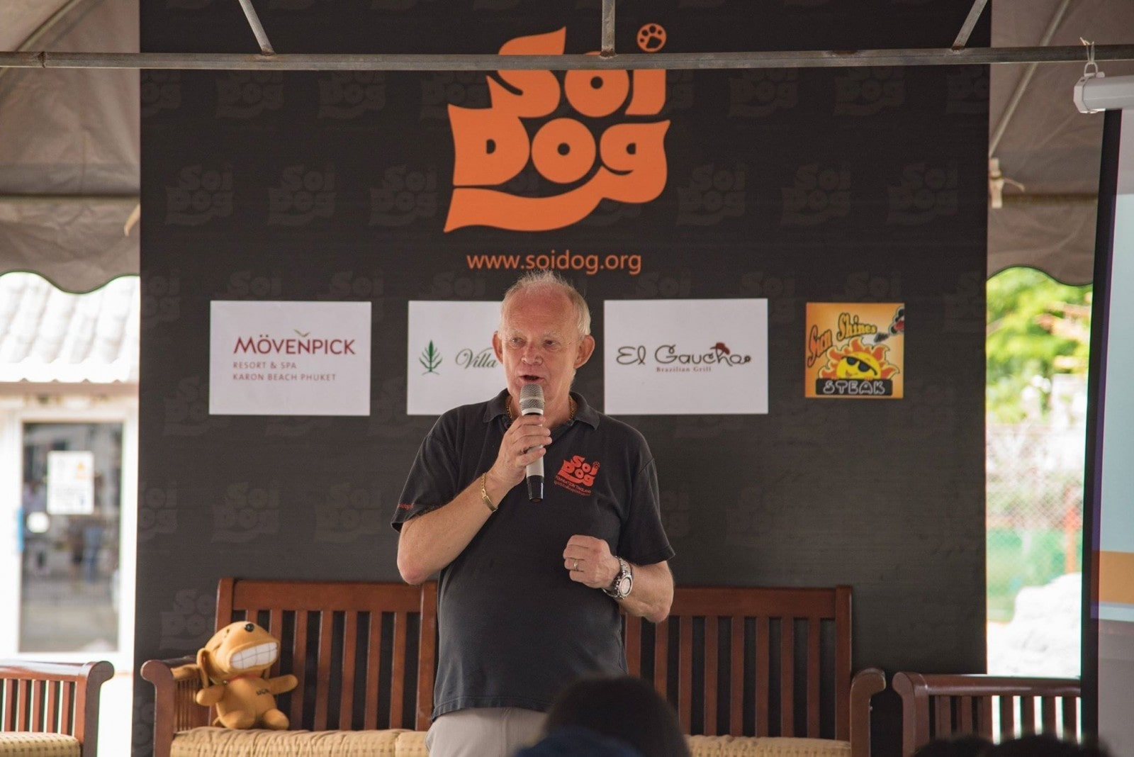 Soi Dog's 'Snap for Stray' underway | The Thaiger