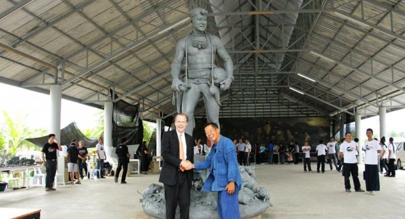 US Ambassador thanks Chiang Rai locals for looking after US rescue team members | News by The Thaiger
