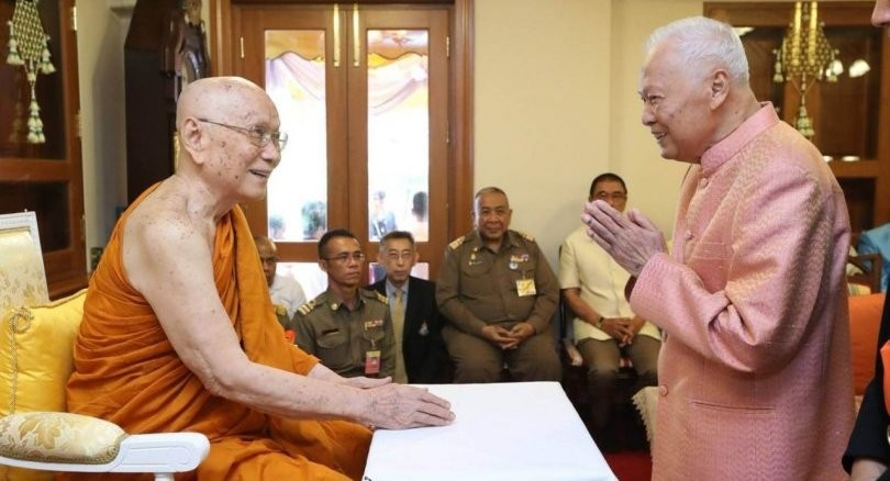 Prem turns 98, pays visit to Supreme Patriarch   News by The Thaiger