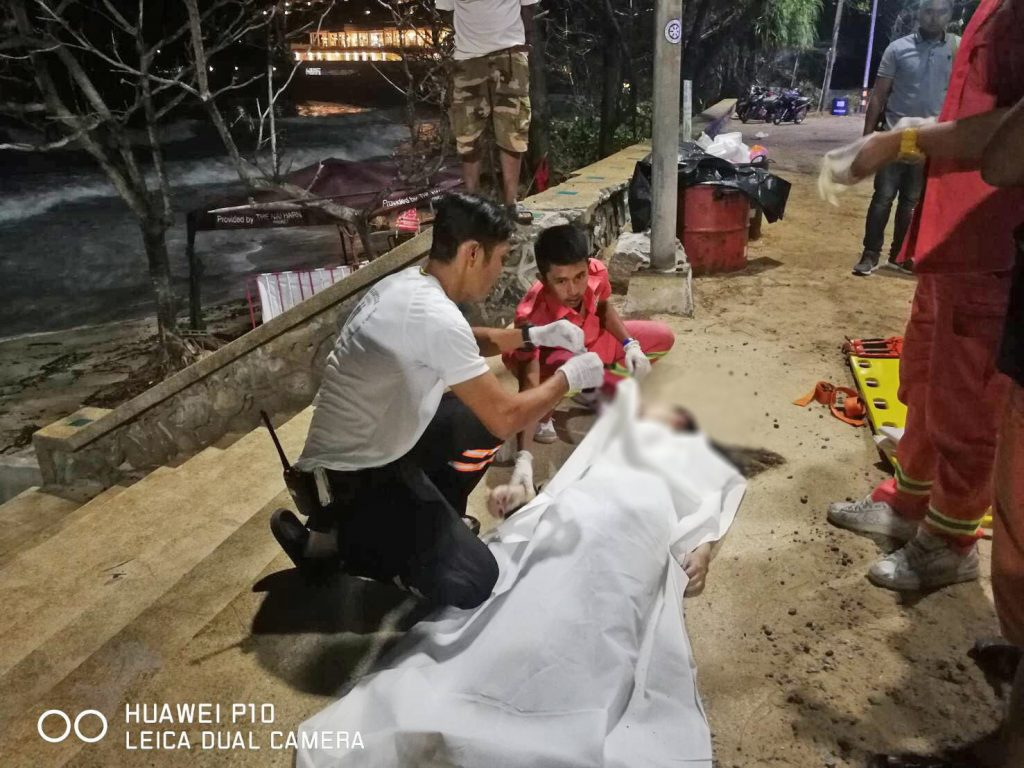 One rescued, one dead, one missing in Phuket surf | News by The Thaiger