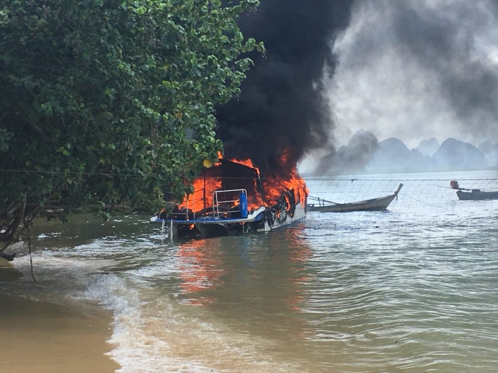 Speedboat explodes into fire in Phang Nga | News by The Thaiger
