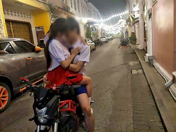 Couples posting obscene photos in Old Phuket Town to meet with police | News by The Thaiger