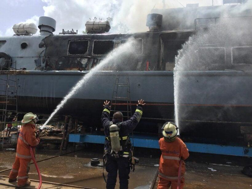 Fire destroys Phuket tour boat | The Thaiger