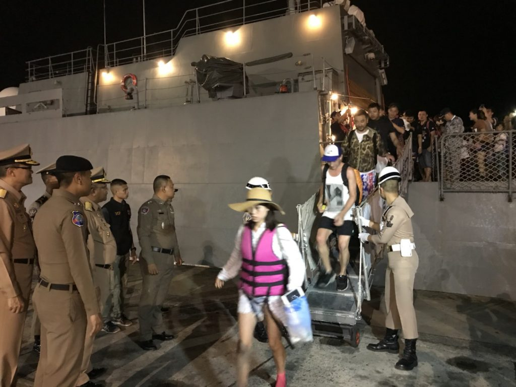 Navy help 177 tourists back from Koh Racha | News by Thaiger