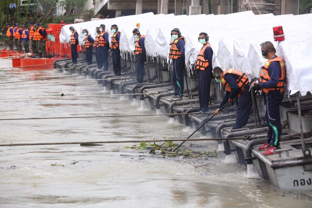Phetchaburi town prepares for a soggy weekend | News by Thaiger
