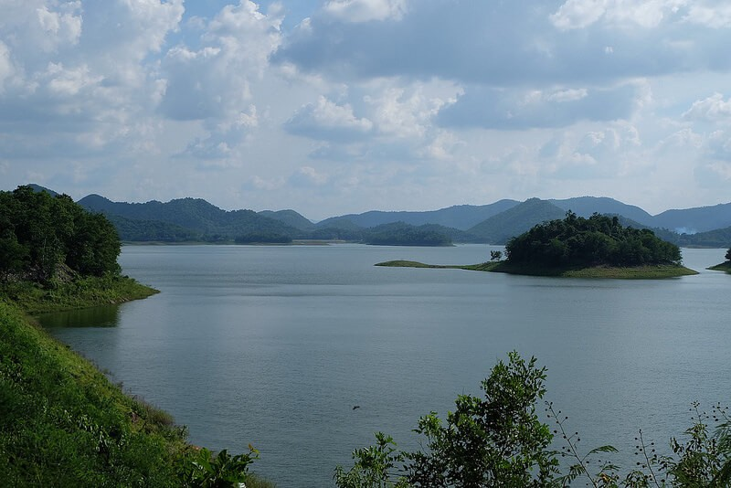 Heavy rains threaten Phetchaburi dams – weather warnings issued | The Thaiger