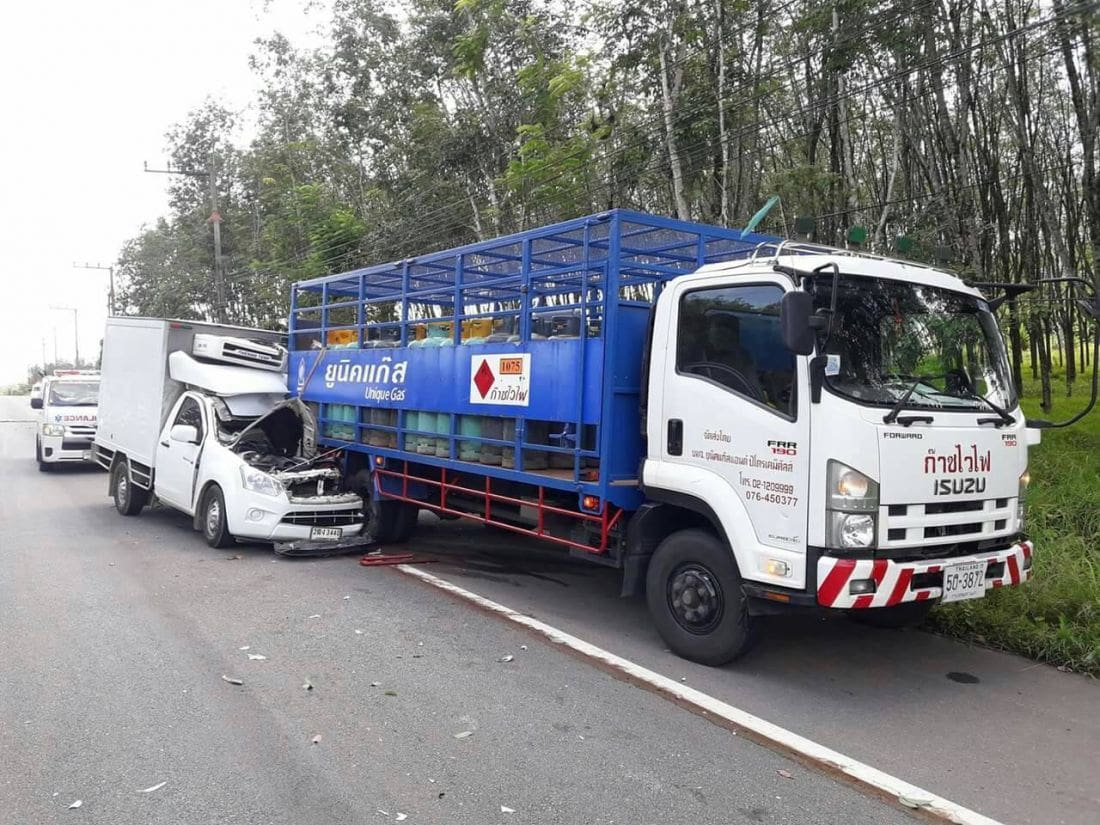 Driver lucky to escape serious injury in gas cylinder truck accident | The Thaiger