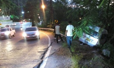 Minivan driver seriously injured in Patong hill accident – VIDEO   The Thaiger