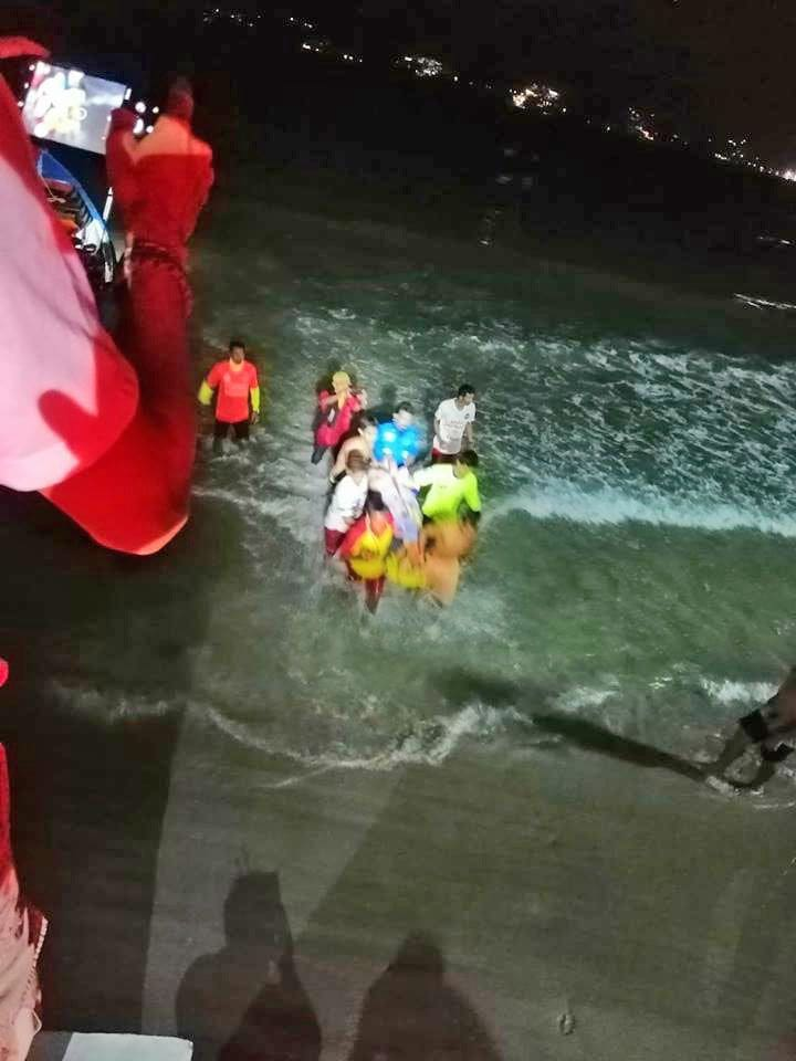 Foreign man rescued after drifting out to sea | News by The Thaiger