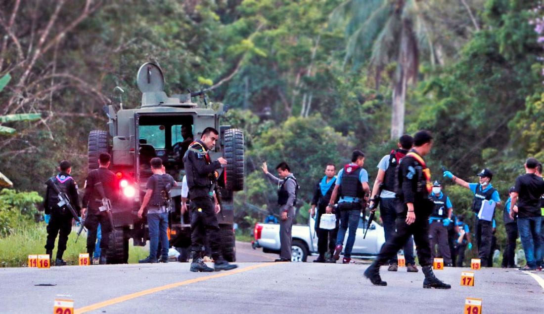 Policeman killed and four injured in insurgent ambush in Yala | The Thaiger