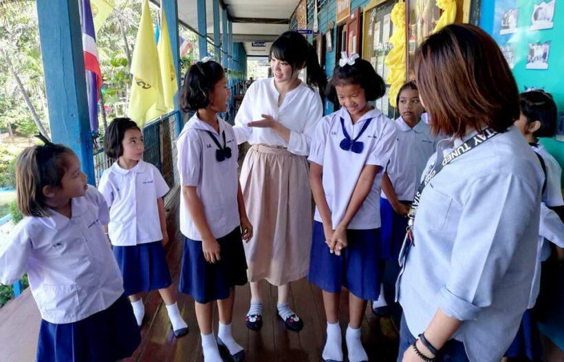 BNK 48 pop idol under fire for hosting pro-junta programs | The Thaiger