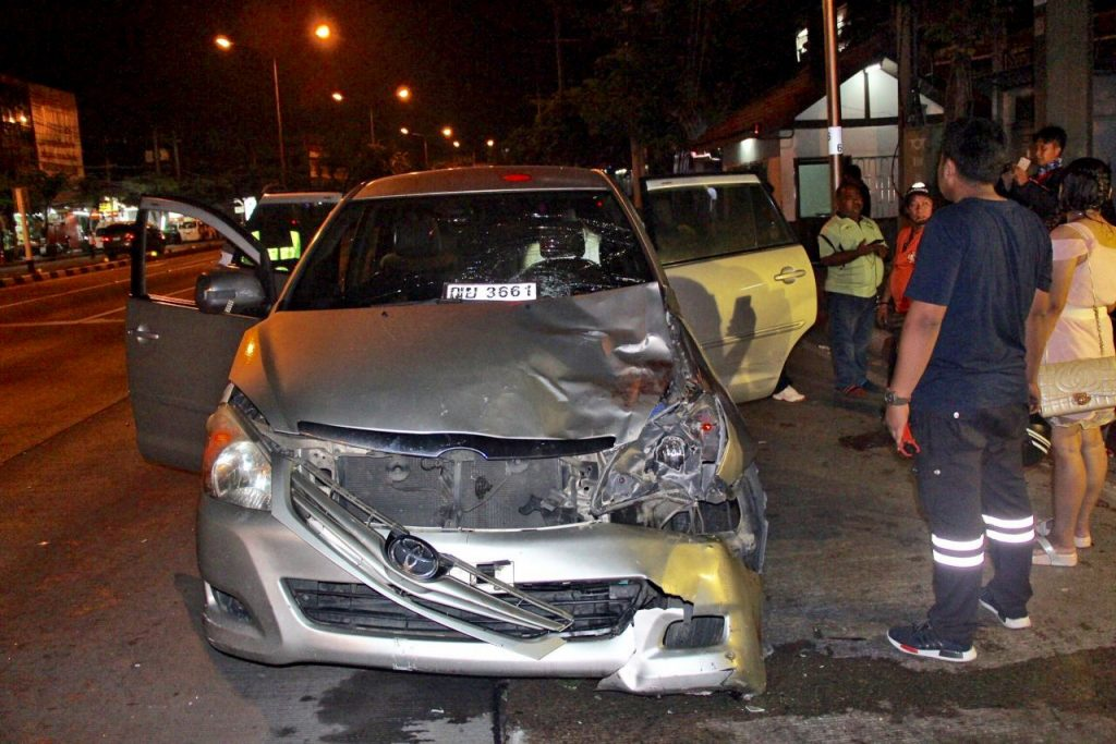 Woman ploughs SUV into Bangkok police checkpoint   News by The Thaiger