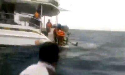 Tourists rescued from tour boat stranded off Koh Phi Phi | The Thaiger