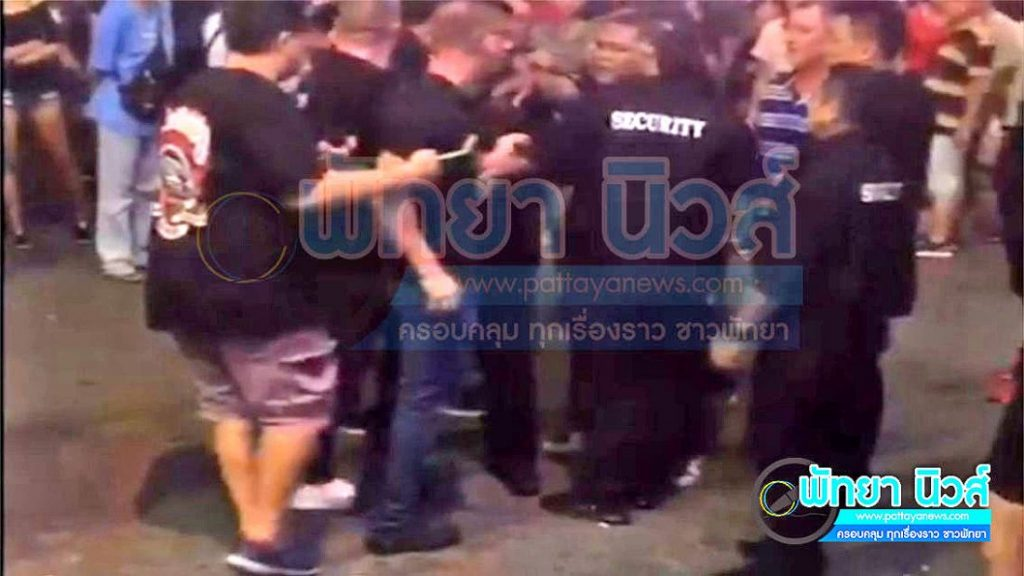 Scuffle in Walking Street ends up in hugs and wais | News by The Thaiger