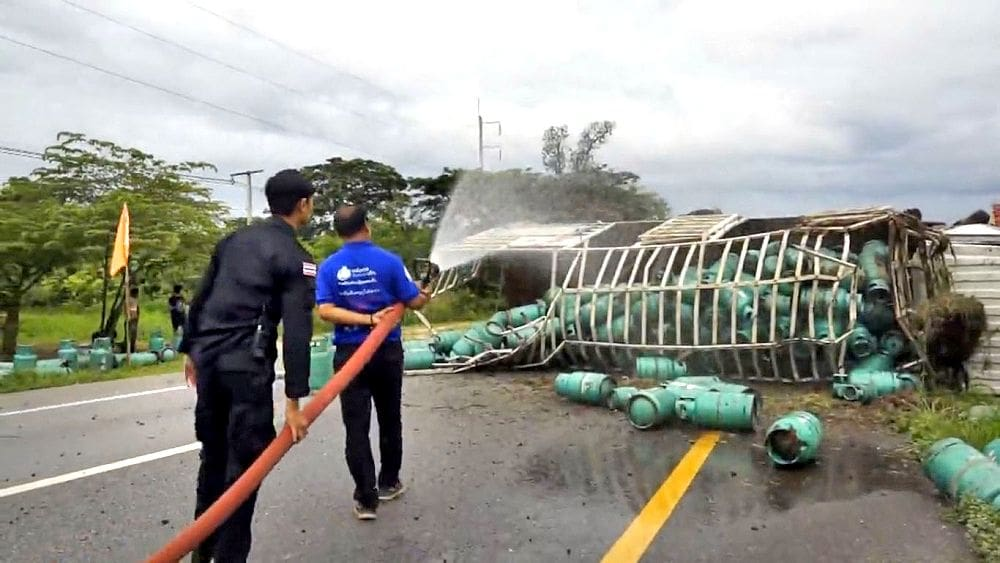 Truck carrying gas cylinders flips over in Udon Thani   News by The Thaiger