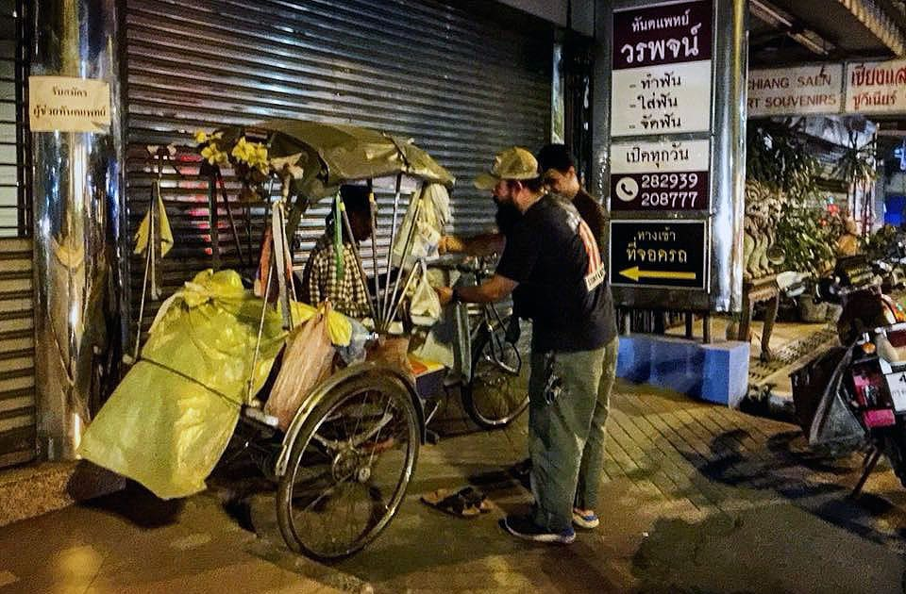 Chiang Mai biker feeding the homeless   The Thaiger