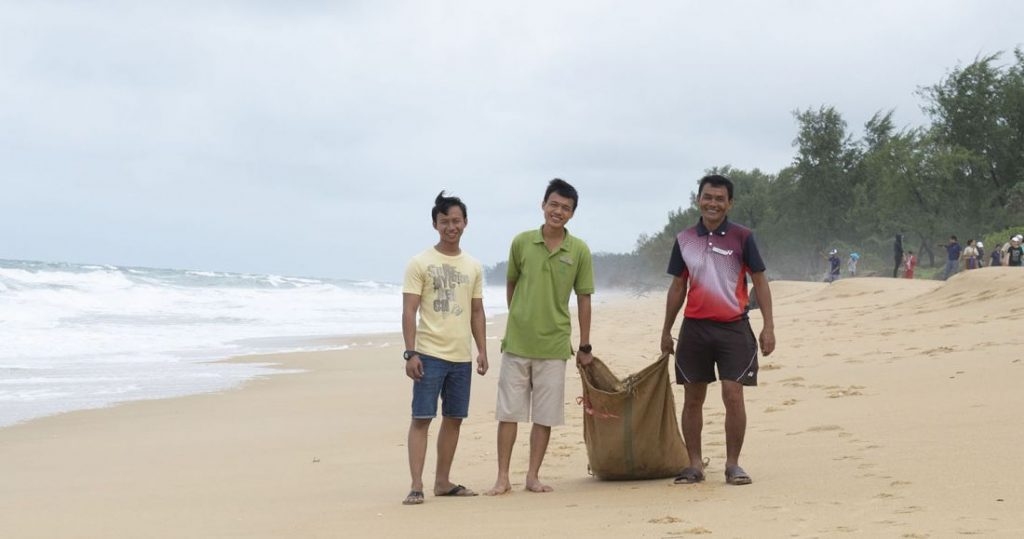 JW Marriott Phuket Resort & Spa supports International Coastal Clean Up Day | News by The Thaiger