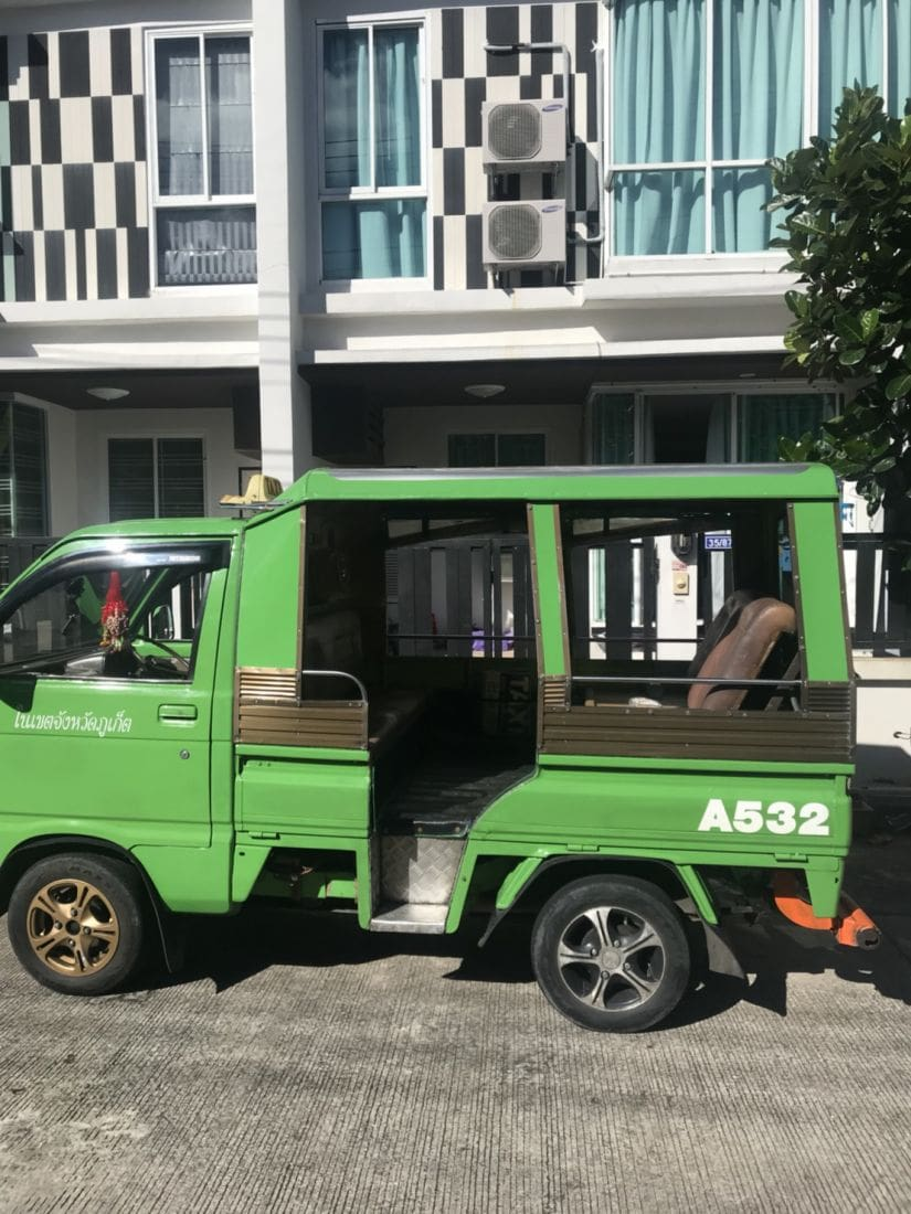 f8e04243e1 Drunk Phuket Tuk Tuk driver charged after running red lights. The Thaiger