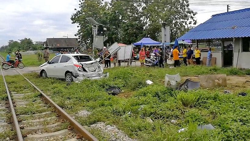 Train hits car in Hat Yai | The Thaiger