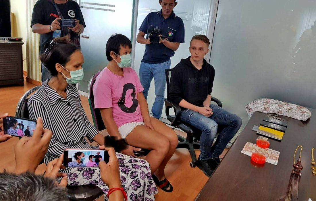 Ladyboys nabbed for picking tourist's pockets in Pattaya | The Thaiger
