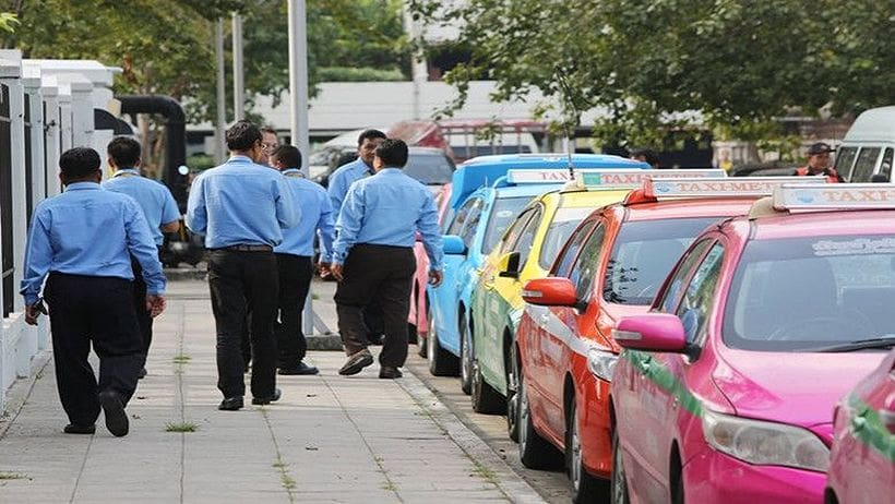 New flat-fee taxi service to start 2019 after fare hike refused   News by The Thaiger