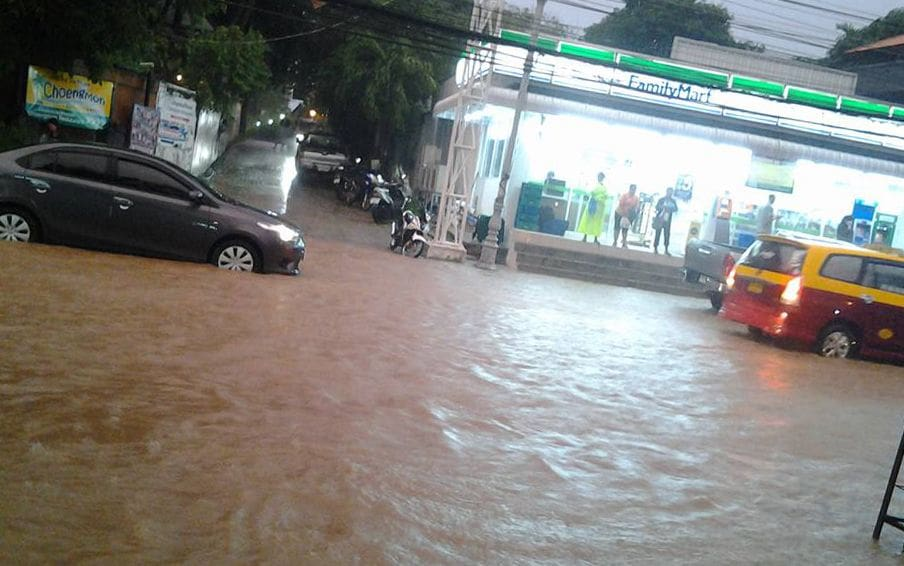 Villager missing following flash floods south of Surat Thani | The Thaiger
