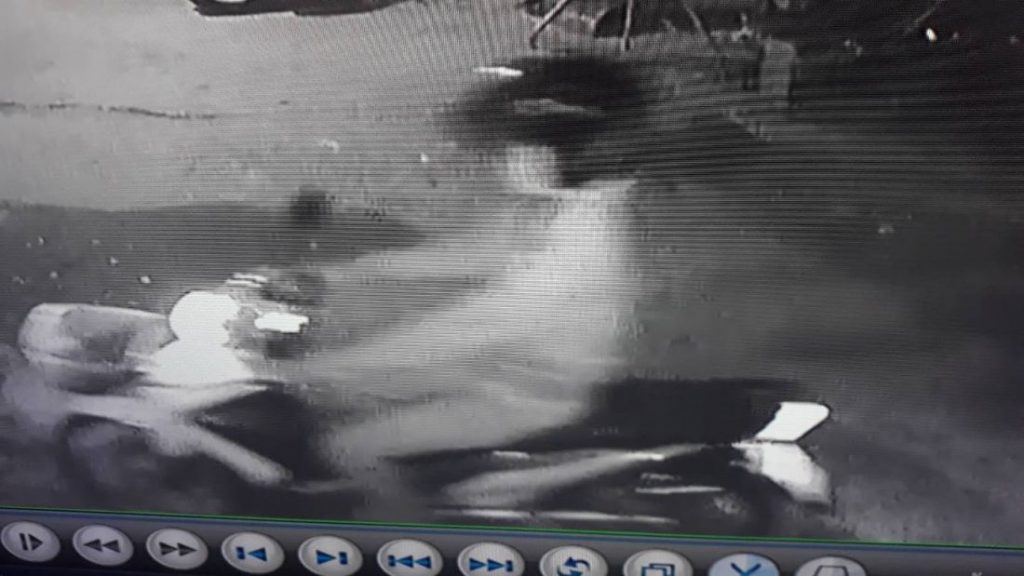 Police hunting for two men who robbed shop in Chalong | News by The Thaiger