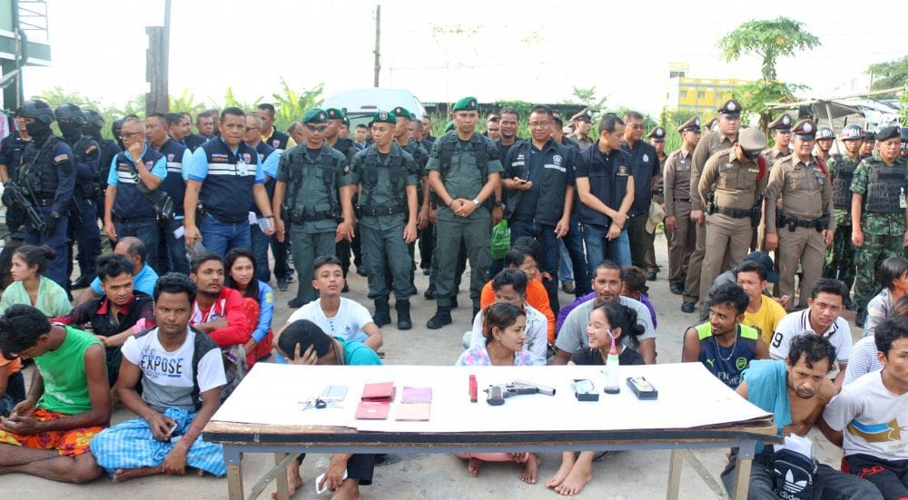 Illegal foreigner crackdown busts 1,000 in Pathum Thani | News by The Thaiger
