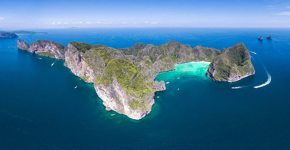 Maya Bay, closed until further notice – VIDEO | The Thaiger