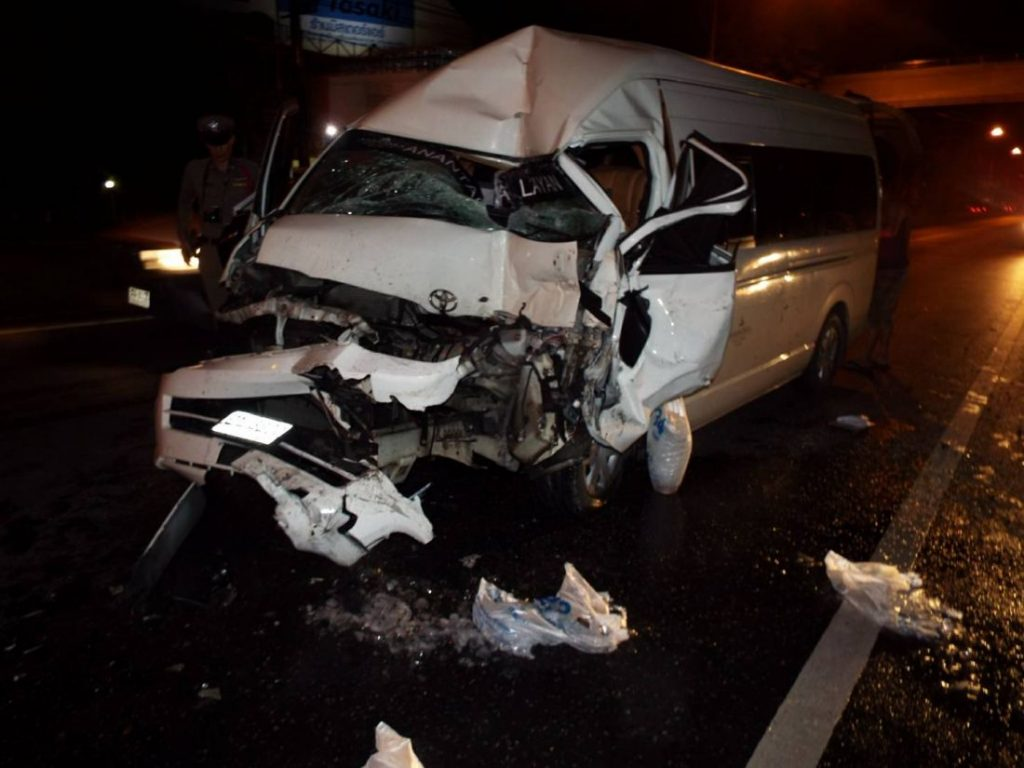Minivan driver escapes serious injury after colliding with an ice truck in Thalang | News by The Thaiger