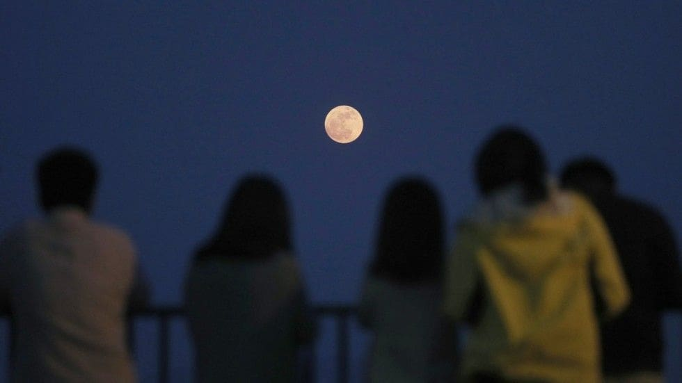 Chinese 'fake moon' to replace street lights described as 'lunacy' | News by The Thaiger